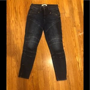 Gap ankle jeans with zippers